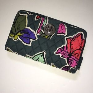 Vera Bradley Turn Lock Large Wallet, NWOT